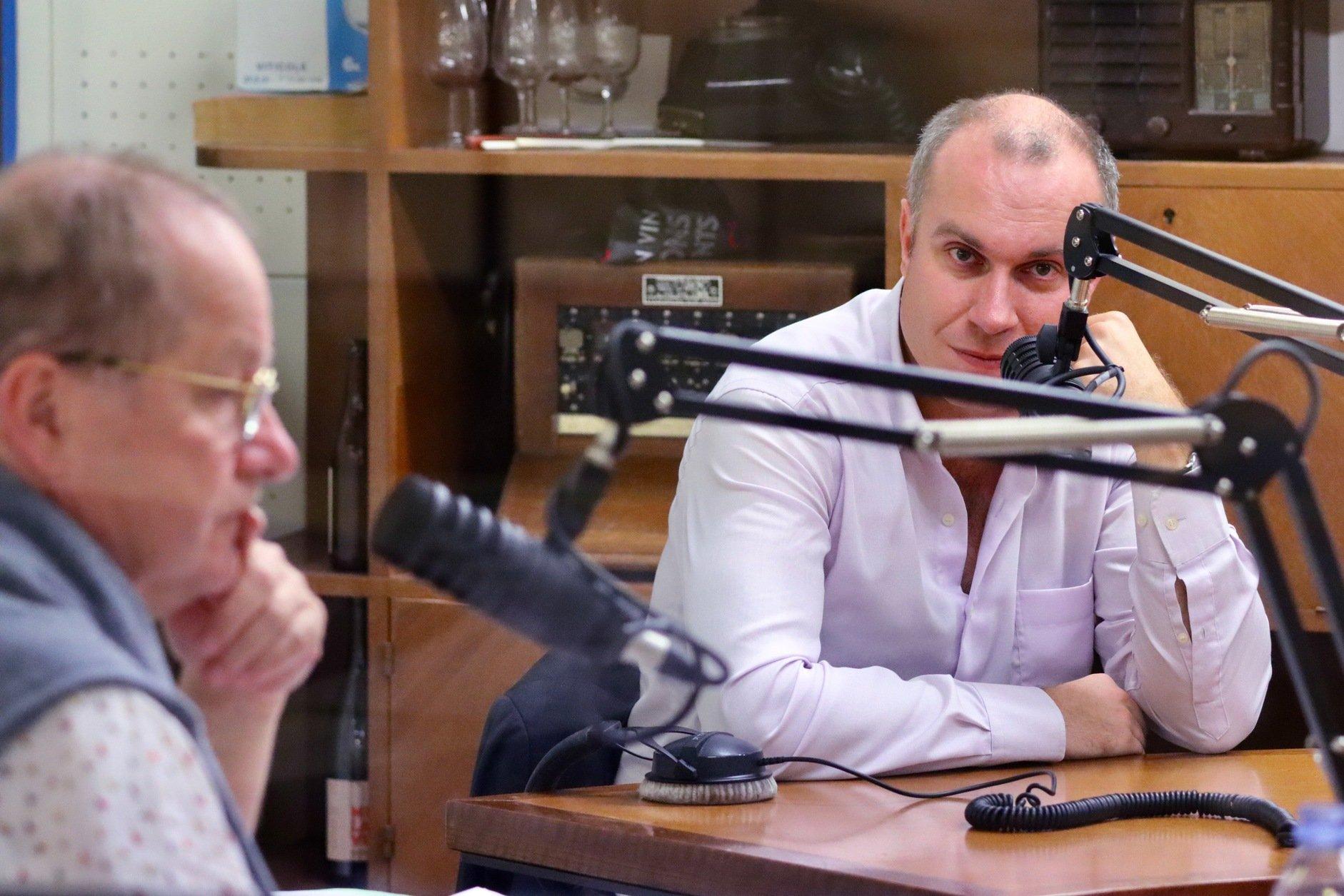 Reporterriens---Ground-Control-Paris---18-ConvertImage