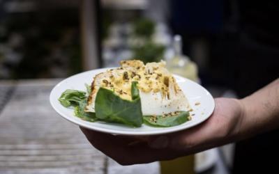 Chou-fleur rôti entier au yaourt et aux épices par La Résidence