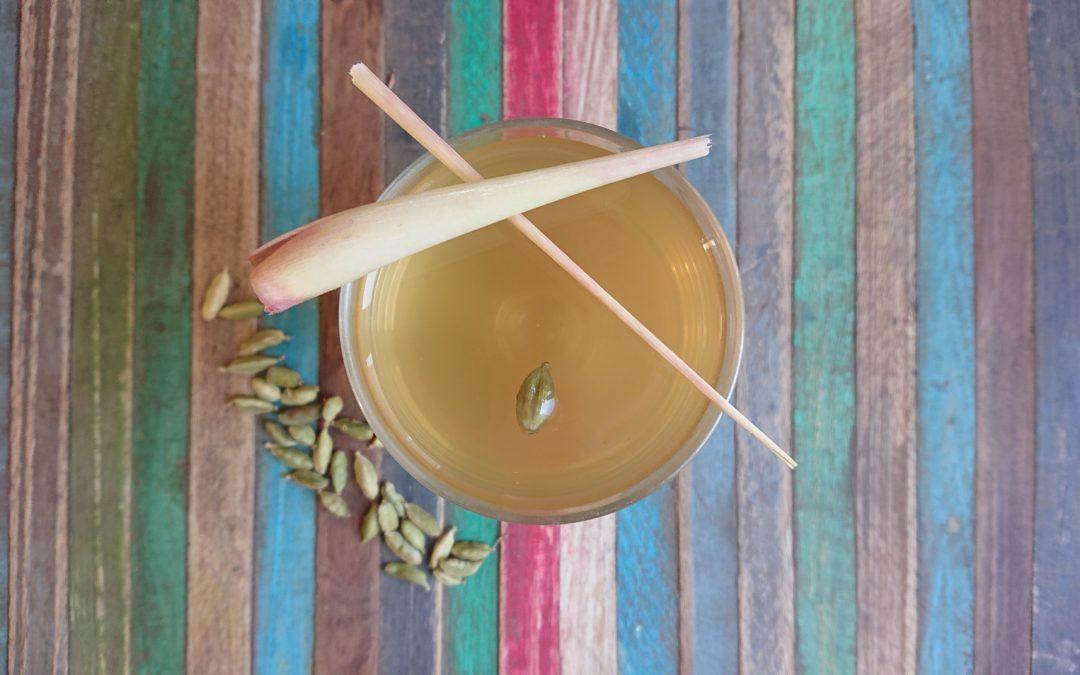 Thé glacé, citronnelle et cardamome par Doshas