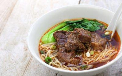 La soupe Taïwanaise de nouilles au boeuf par Coin Op Table